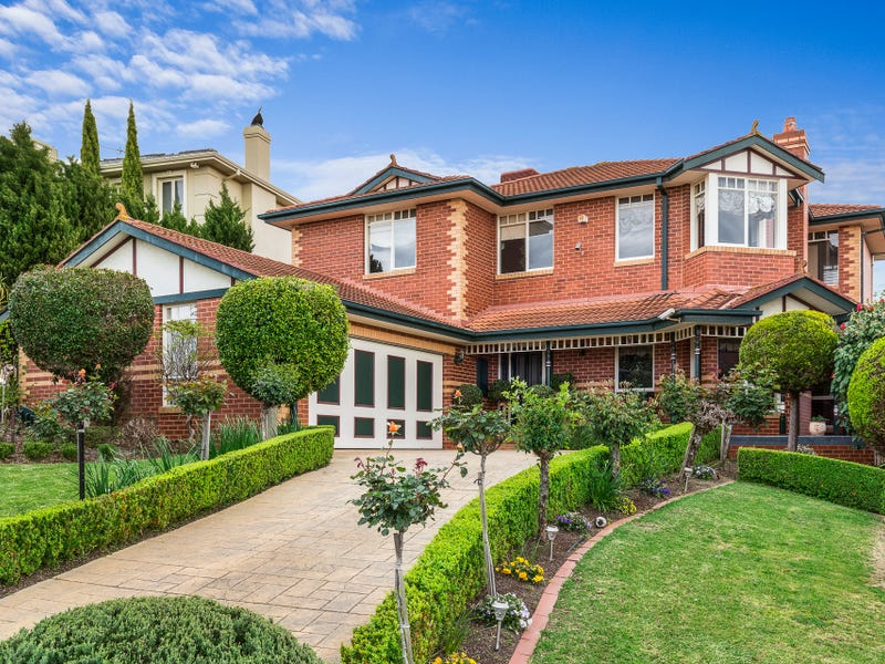 36 Tidcombe Crescent, Doncaster East, Vic 3109