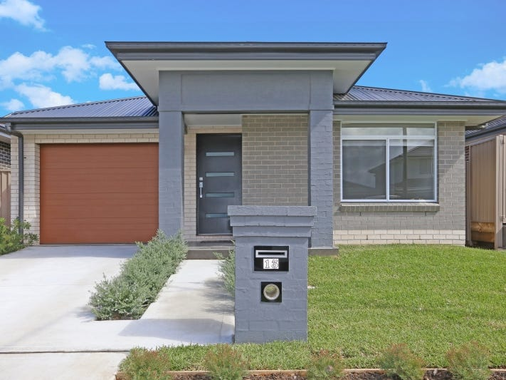 13 Bowral  Grove, Jordan Springs, NSW 2747