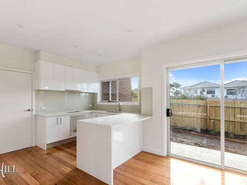 2/81 Scoresby Road, Bayswater, Vic 3153