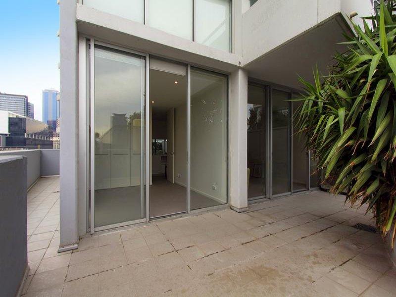 512/8 McCrae Street, Docklands, Vic 3008