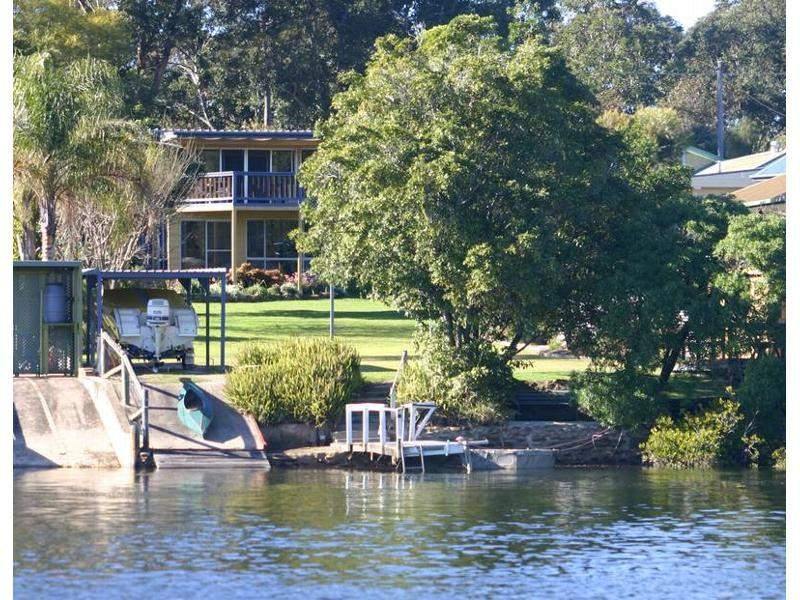 9 Sproxtons Lane, Nelligen, NSW 2536