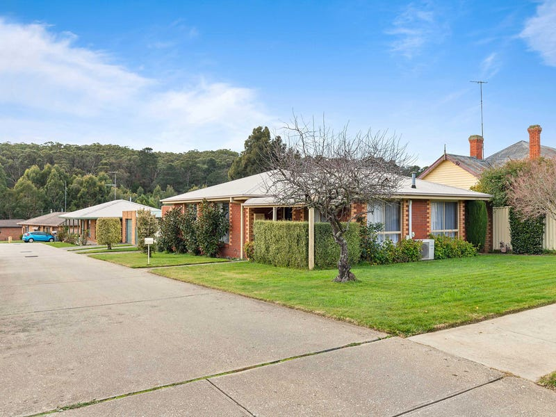 13 Florence Court, Brown Hill, Vic 3350