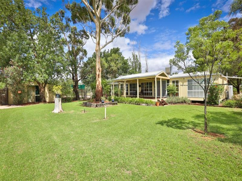 86 Little Cowra  Road, Yelta, Vic 3505