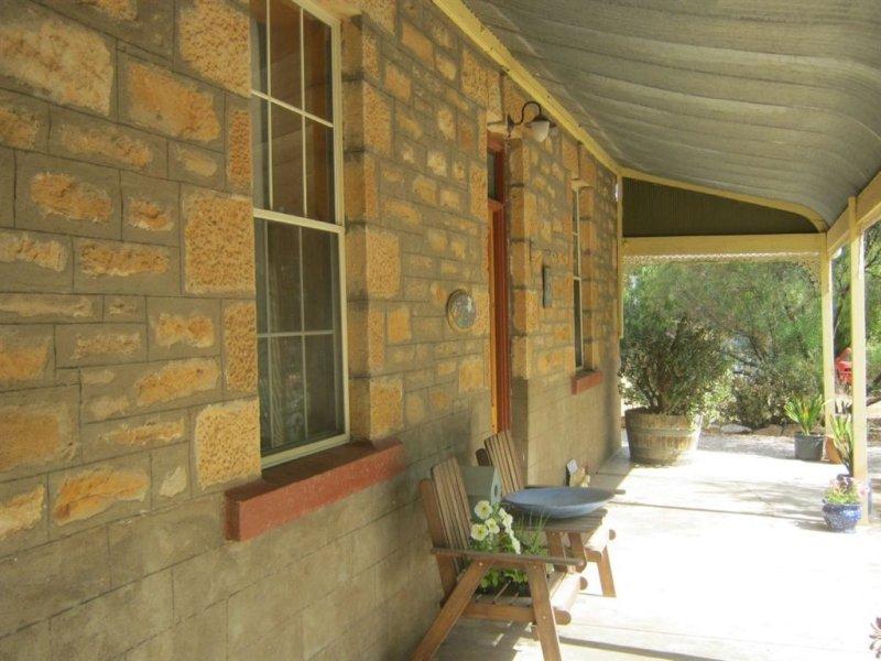 12 Elizabeth Street, Manoora, SA 5414