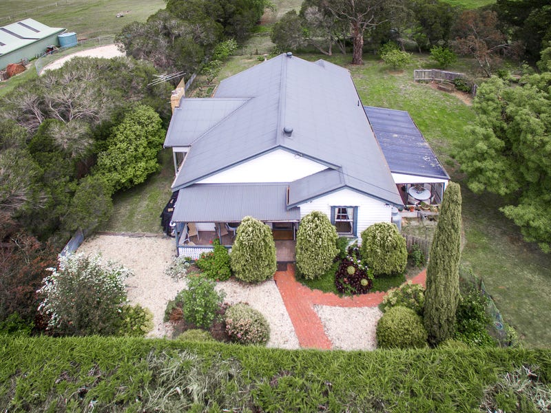 25 Morrow Road East, New Gisborne, Vic 3438