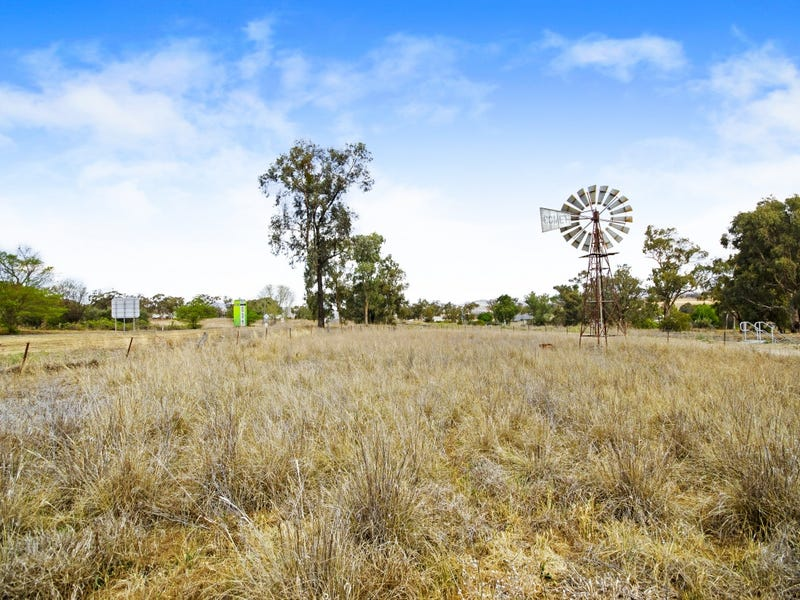 1 New England Highway, Willow Tree, NSW 2339