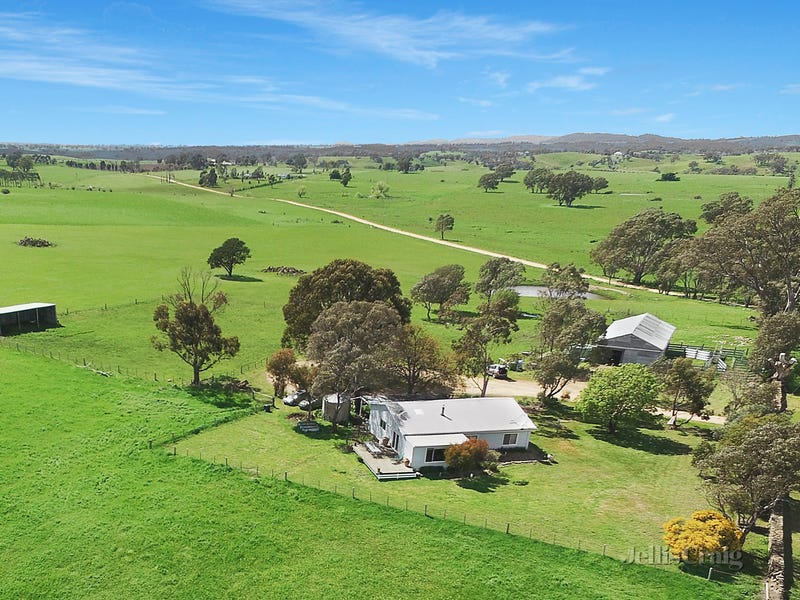 Stonewall Farm 35 Dickins Lane, Barfold, Vic 3444
