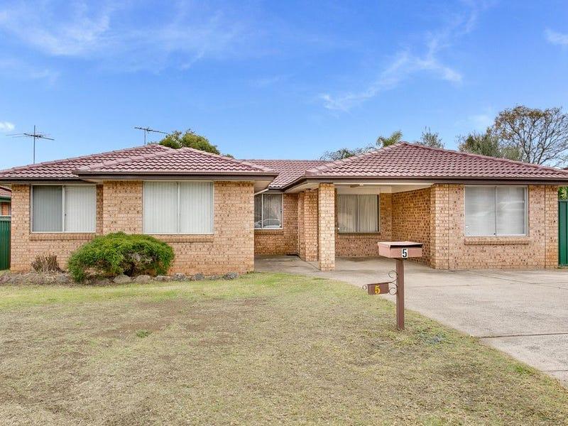 5 Scarus Place, Rosemeadow, NSW 2560