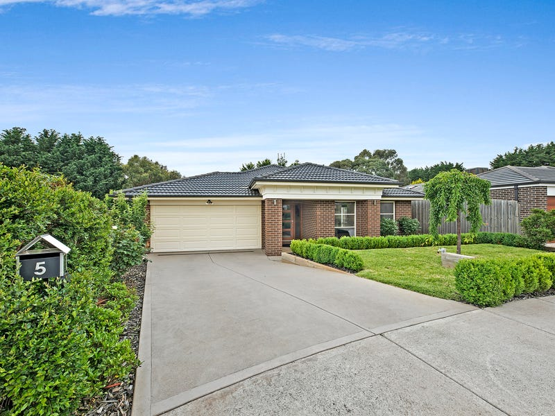 5 Mary Court, Lancefield, Vic 3435