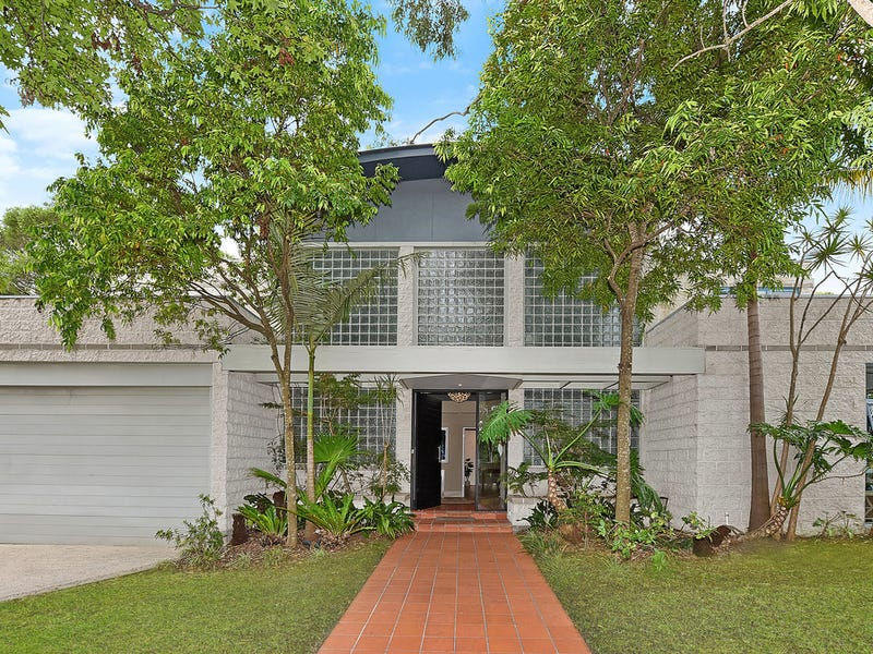 32 Flinders Avenue, St Ives, NSW 2075
