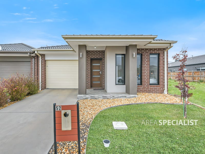 52 Fenway Boulevard, Clyde North, Vic 3978