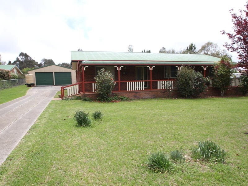 20 Naas Street, Tenterfield, NSW 2372