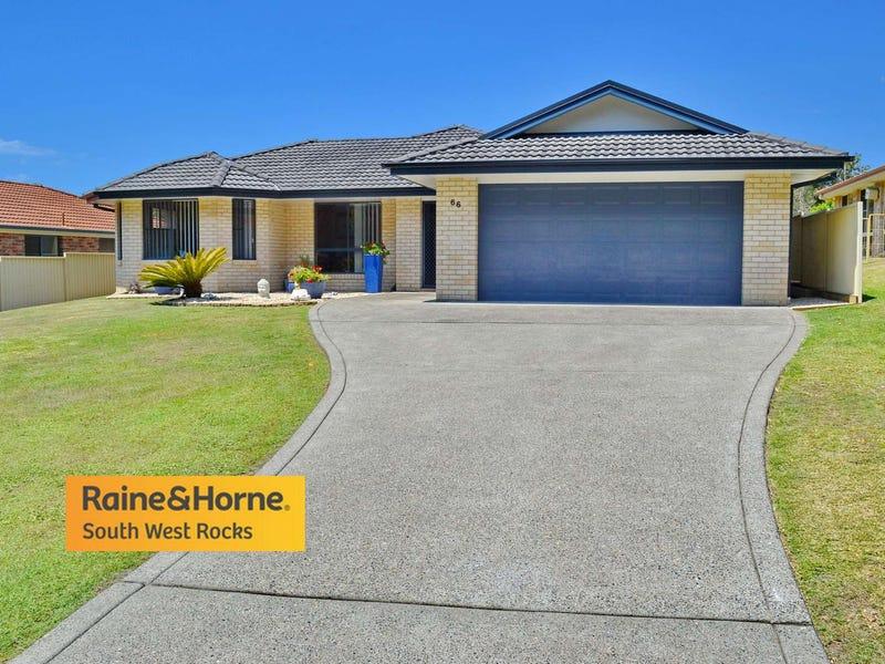 66 Bruce Field Street, South West Rocks, NSW 2431