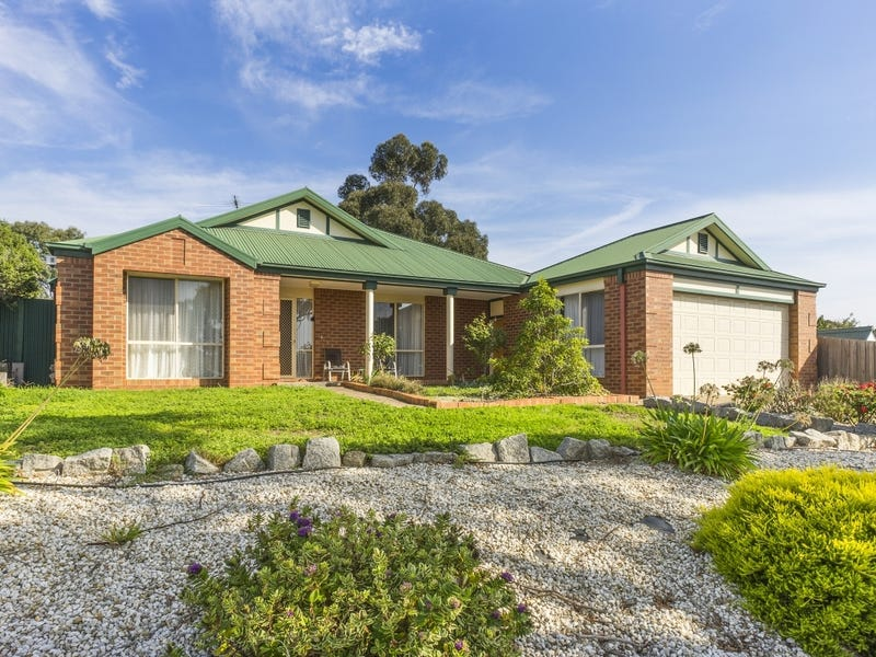 11 Pike Place, Bacchus Marsh, Vic 3340