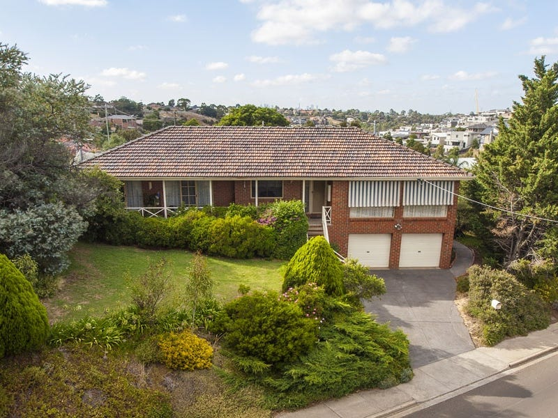 24 The Avenue, Niddrie, Vic 3042