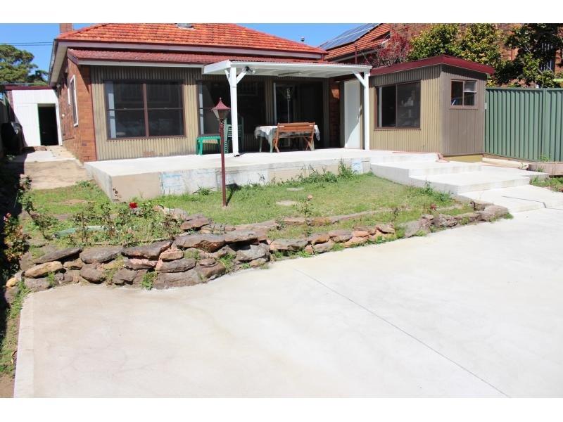 32 Noble Avenue, Mount Lewis, NSW 2190