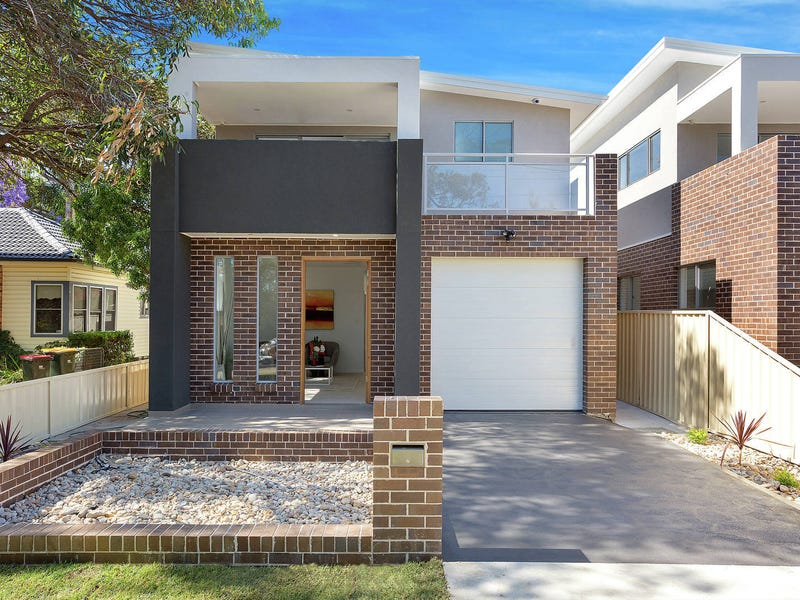 14b Anzac Mews, Wattle Grove, NSW 2173
