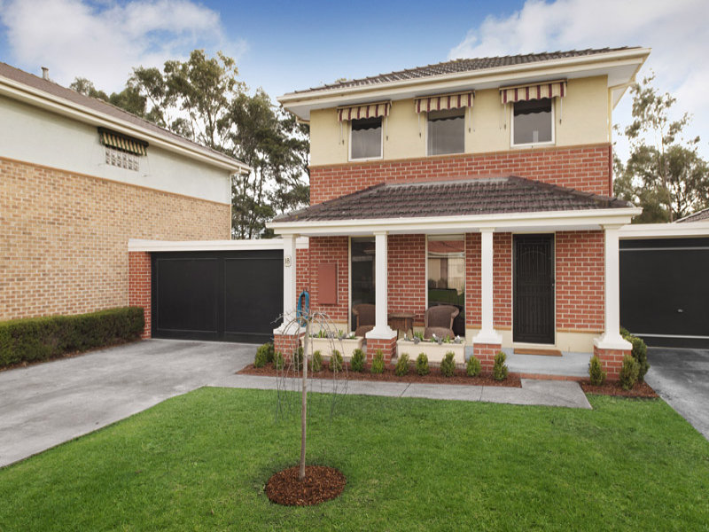 18 Albert Place, Dingley Village, Vic 3172