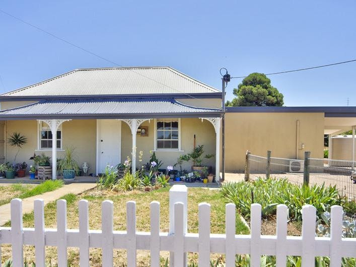 12 Pedler Lane, Cross Roads, SA 5558
