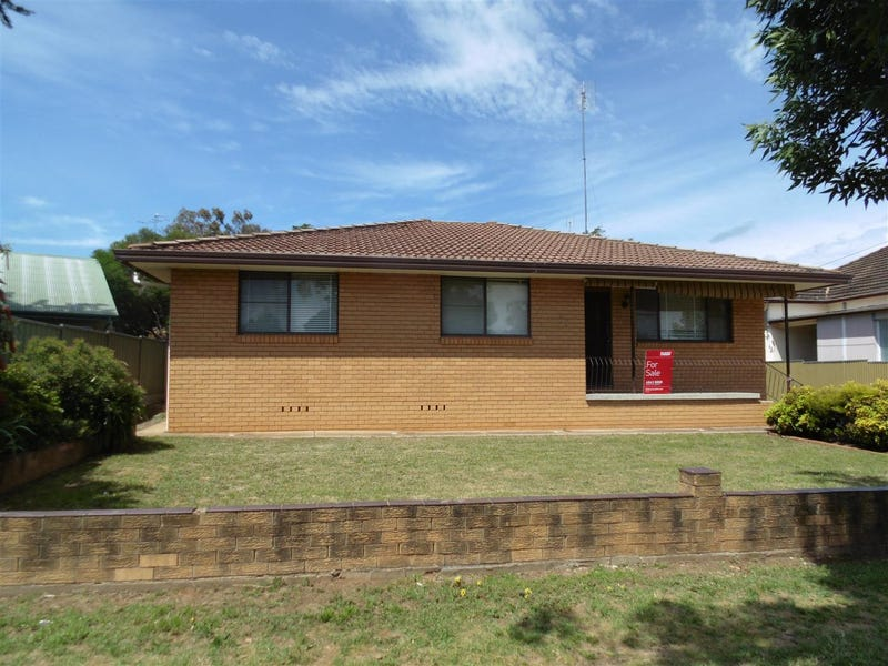 75 Currajong Street, Parkes, NSW 2870