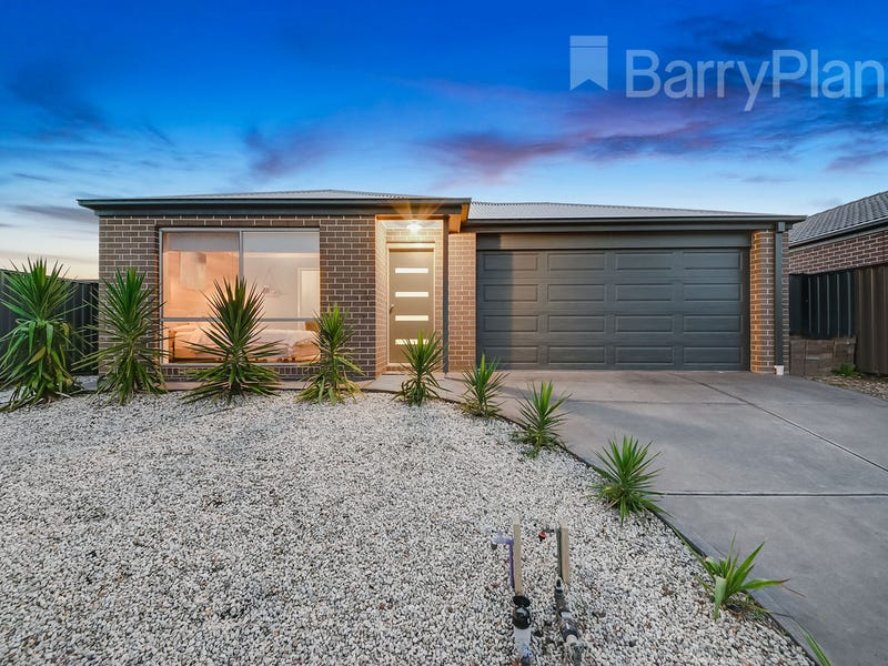 3 Pointer Drive, Pakenham, Vic 3810