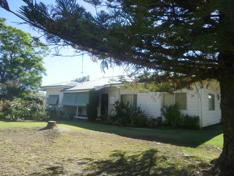 1 Carne St, Moulamein, NSW 2733