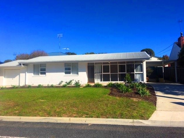 21 Pine Avenue, Victor Harbor, SA 5211