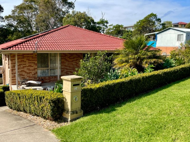 24 Thomson Pde, Dalmeny, NSW 2546