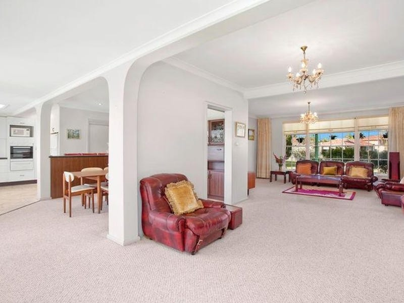42 Castlereagh Crescent, Sylvania Waters, NSW 2224