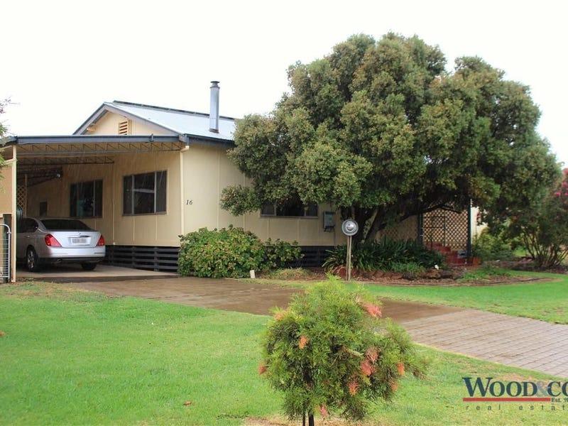 16 Scott Street, Tooleybuc, NSW 2736