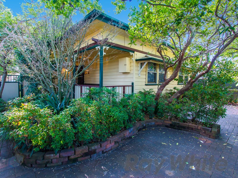 134 Stewart Avenue, Hamilton South, NSW 2303