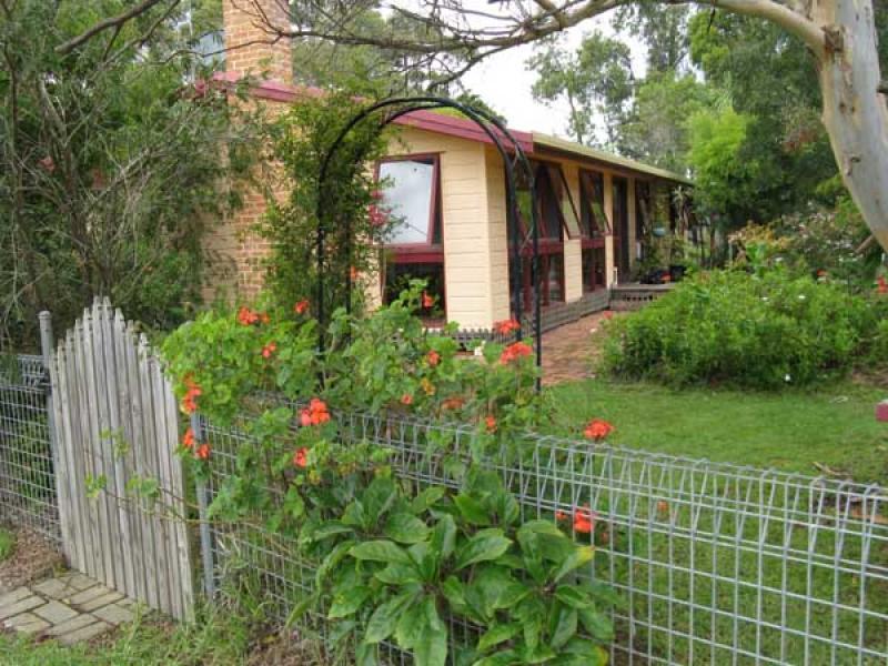 564 Back Creek Road, Lochiel, NSW 2549