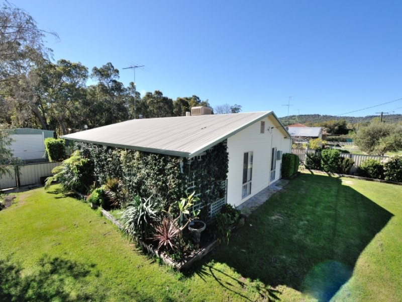 2 Central Avenue, North Dandalup, WA 6207