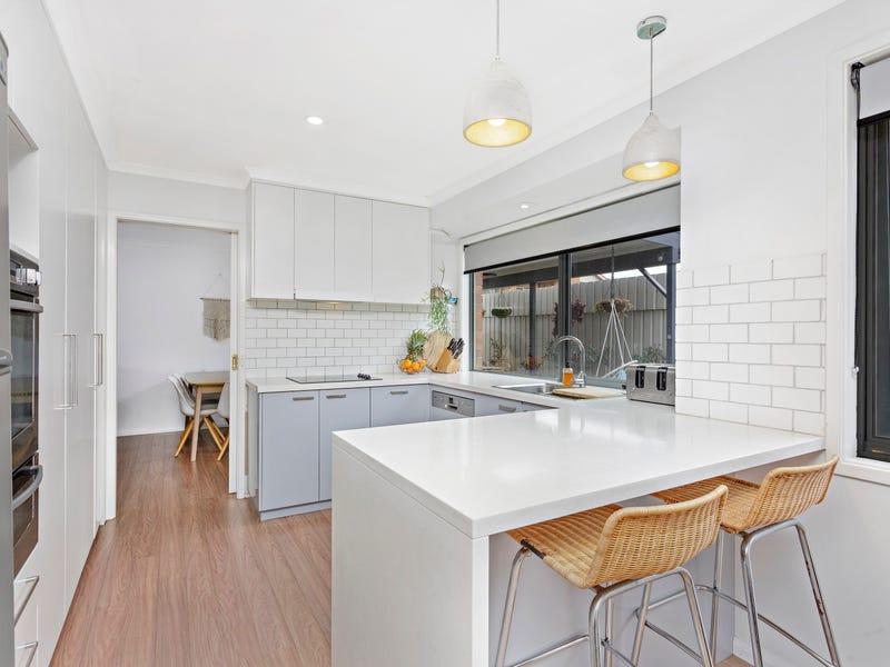 2 Heathcote Street, Helensburgh, NSW 2508