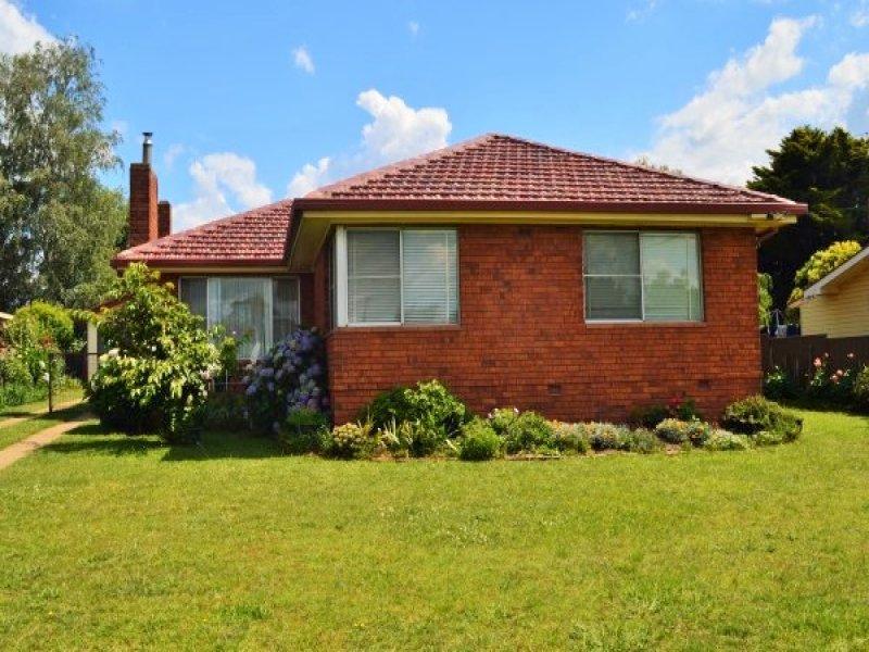 12 Yarrawonda Street, Guyra, NSW 2365