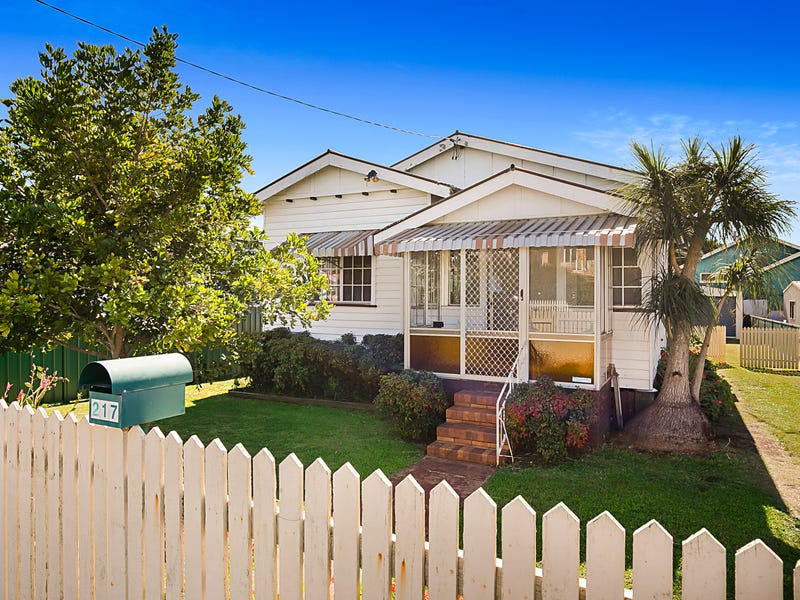 217 Campbell Street, Newtown, Qld 4350