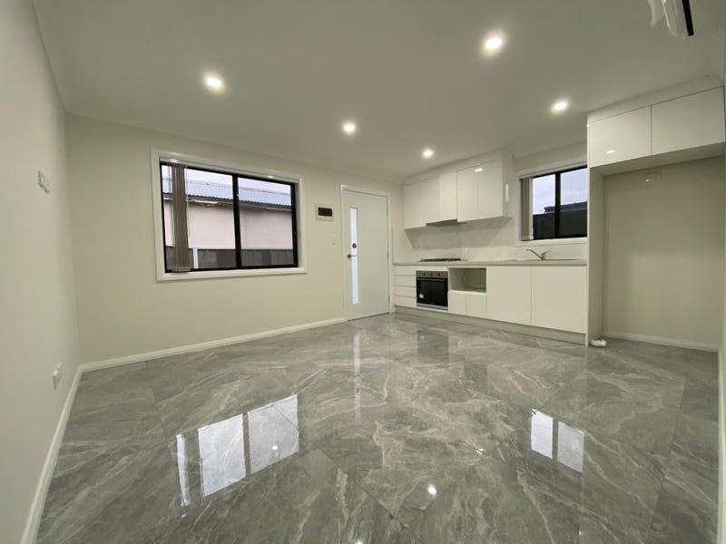 8A Baragoola Street, Fairfield West, NSW 2165