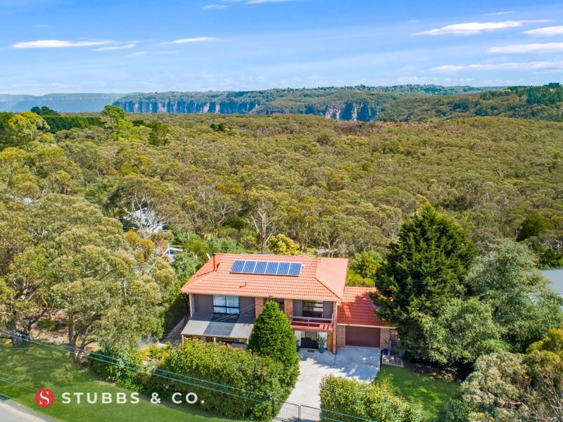 111 TABLELAND ROAD, Wentworth Falls, NSW 2782
