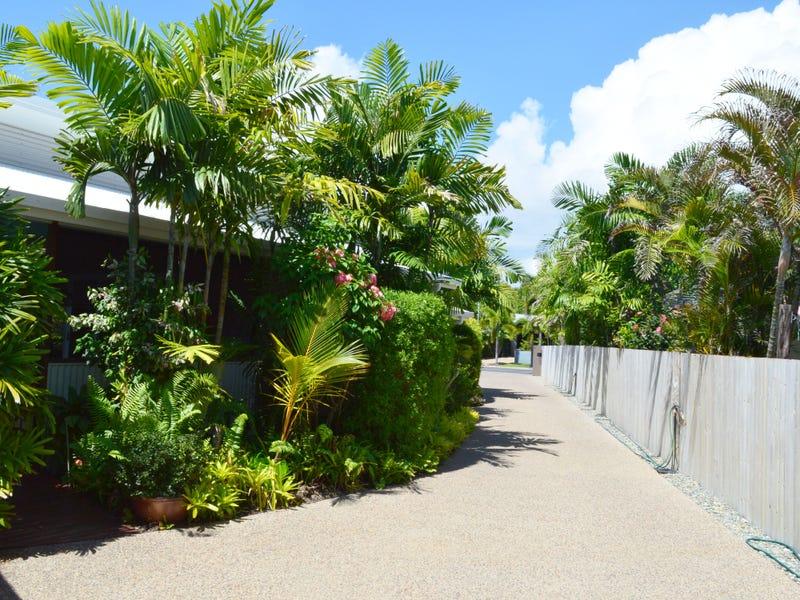 12 Southward Street, Mission Beach, Qld 4852
