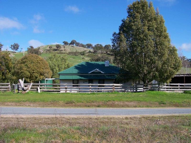 rmb 2190 creightons creek road, Creightons Creek, Vic 3666