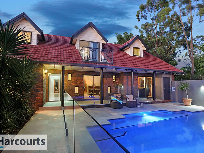 1093 South Pine Road, Everton Hills, Qld 4053