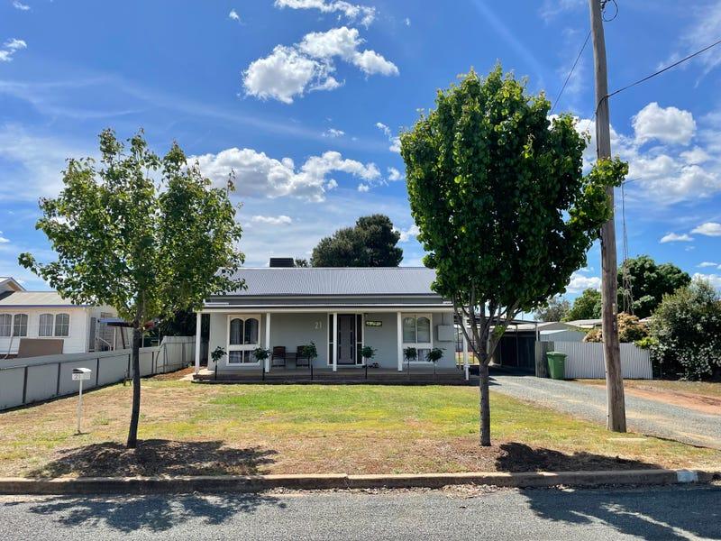 21 Hyde Street, West Wyalong, NSW 2671