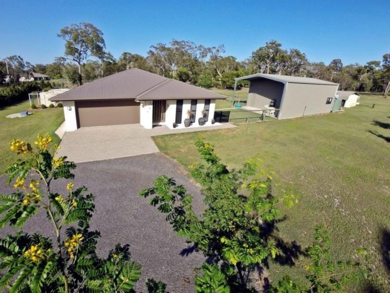 8 Oak Avenue, Coonarr, Qld 4670
