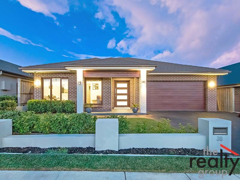 38 The Hermitage Way, Gledswood Hills, NSW 2557