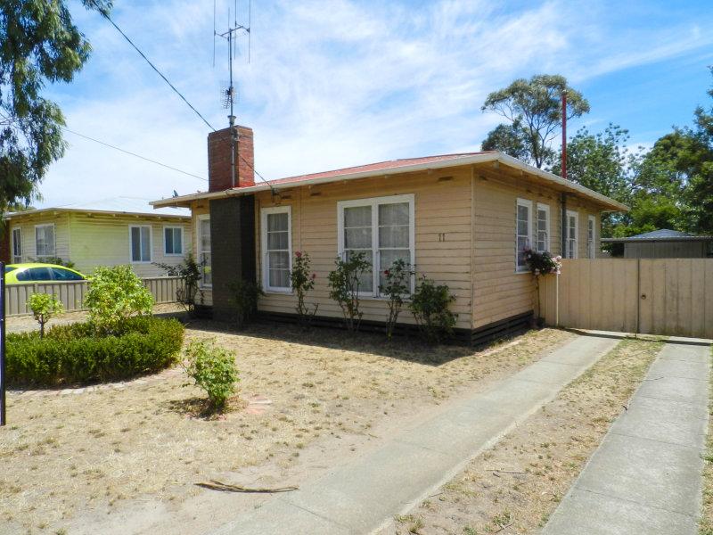 11 Hyacinth Grove, Wendouree, Vic 3355