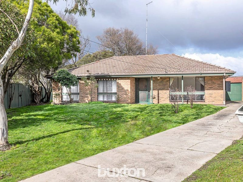 6 Forest Court, Wendouree, Vic 3355