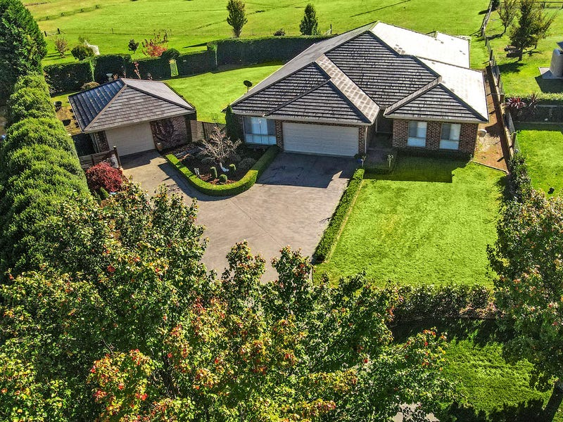 6 Keighley Place, Moss Vale, NSW 2577