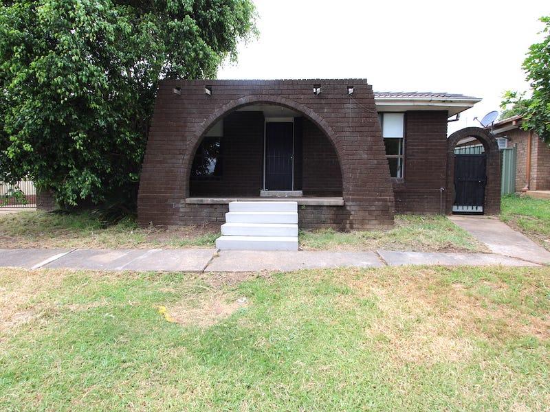 12 Borthwick Street, Minto, NSW 2566