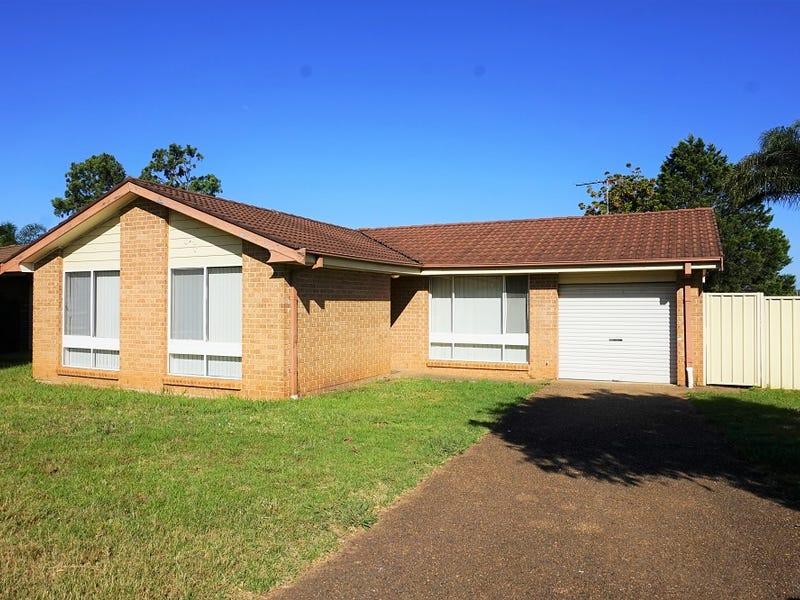 9 Karrabul Road, St Helens Park, NSW 2560