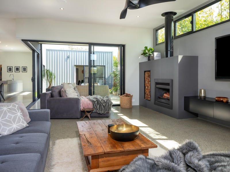 21 Bagarin Avenue, Tomakin, NSW 2537